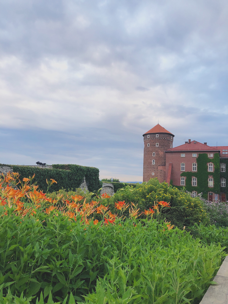 4 Packing Tips for a Summer in the Czech Republic | d-ravel.com | D-RAVEL