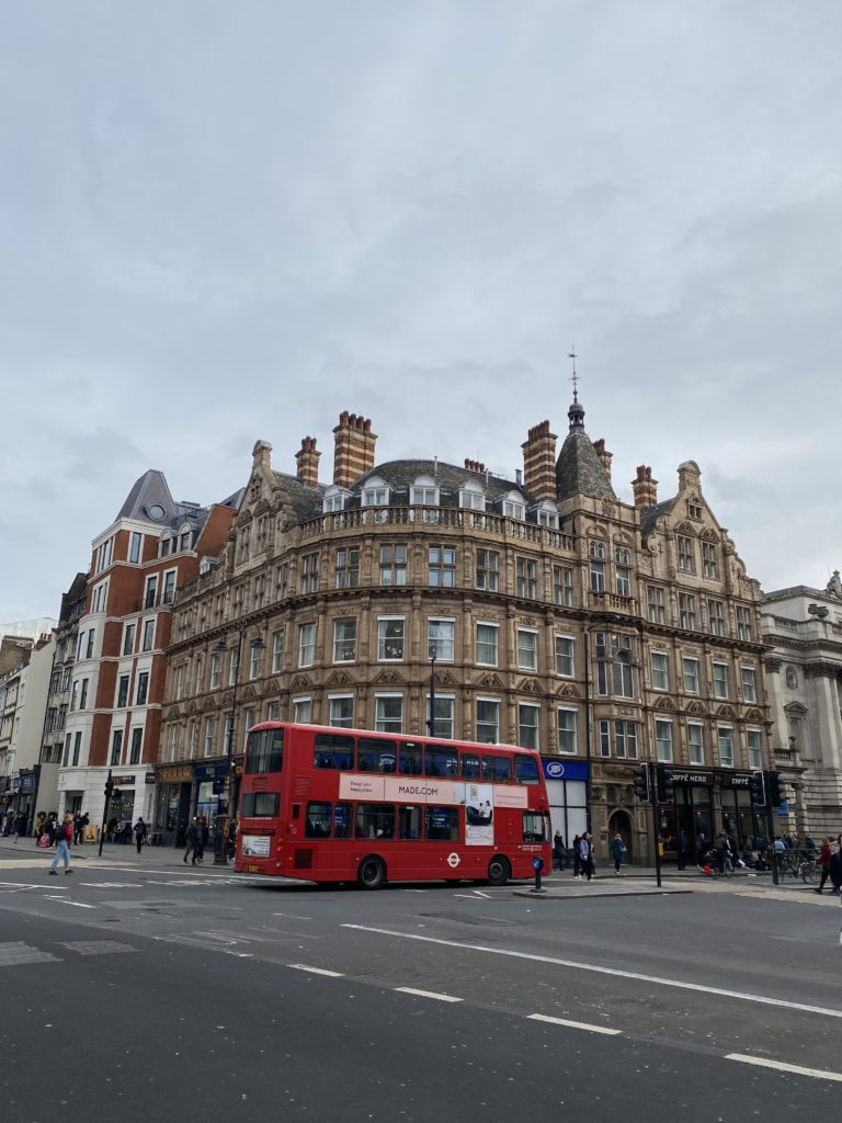 Everything You Need to Know Before Spending Three Days in London | d-ravel.com